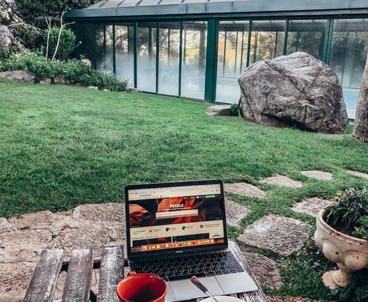 Flexible remote working outdoor